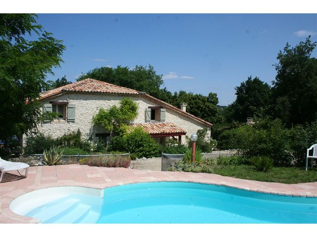 RESTORED COUNTRY HOUSE WITH POOL